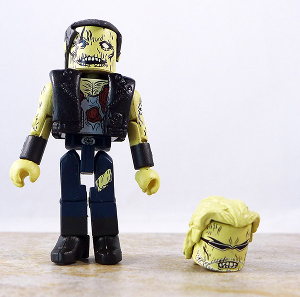 Zombie Biker Loose Minimate (Maximum Zombies 2011 NYCC Two Pack)