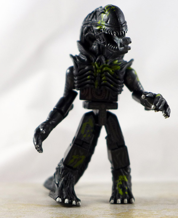 Battle Damaged Attacking Alien Loose Minimate (Aliens Series 1)