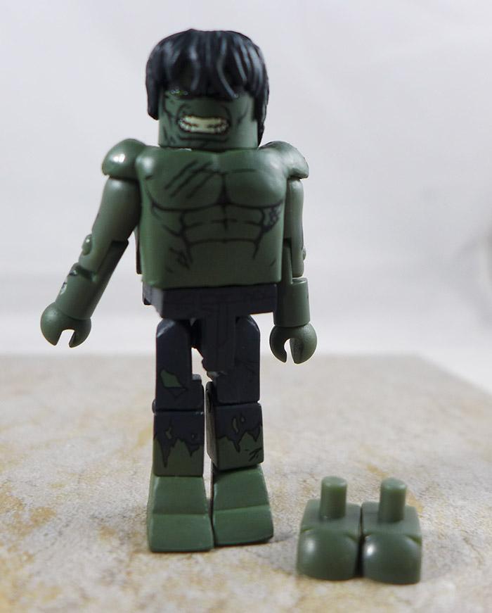 Battle Damaged Hulk Loose Minimate (Marvel Wave 22)