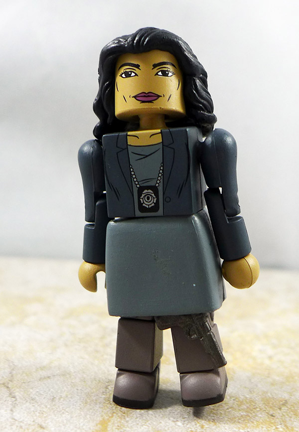 Cpt. Sarah Essen Loose Minimate (Gotham Box Set 1)