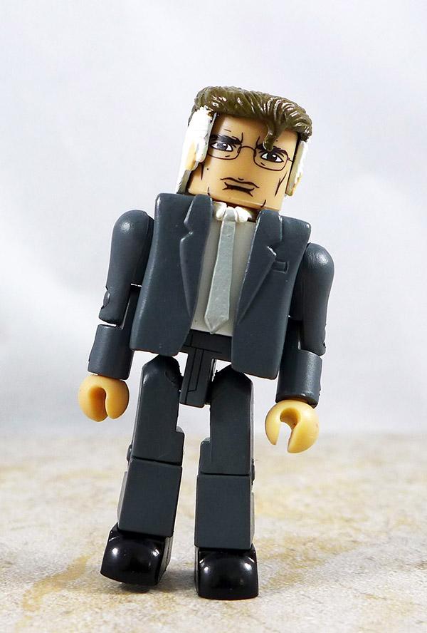 Gray Suited Man Custom Loose Minimate
